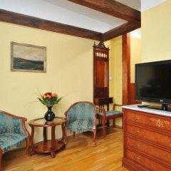 Hotel Metamorphis комната для гостей