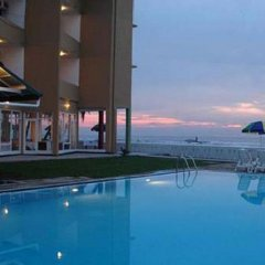 Hikkaduwa Beach Hotel бассейн фото 2
