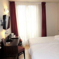 Отель Escale Oceania Marseille Марсель сейф в номере