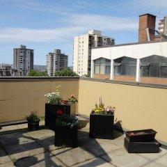 Отель HI Vancouver Downtown Канада, Ванкувер - отзывы, цены и фото номеров - забронировать отель HI Vancouver Downtown онлайн балкон