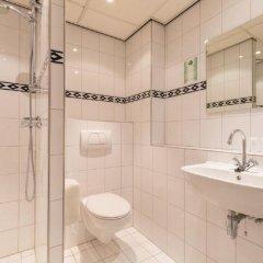 Отель New West Inn Нидерланды, Амстердам - 6 отзывов об отеле, цены и фото номеров - забронировать отель New West Inn онлайн ванная