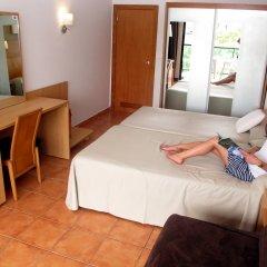 Отель Ohtels Vila Romana Испания, Салоу - 5 отзывов об отеле, цены и фото номеров - забронировать отель Ohtels Vila Romana онлайн комната для гостей фото 2
