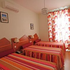 Отель Pensao Praca Da Figueira Лиссабон фото 4