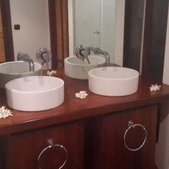 Отель Bungalow Tuatini Французская Полинезия, Бора-Бора - отзывы, цены и фото номеров - забронировать отель Bungalow Tuatini онлайн ванная