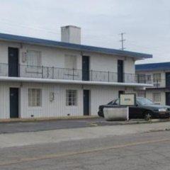 Отель Jasper Ridge Inn Ishpeming By Magnuson Worlwide парковка