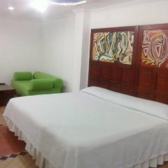 Hotel Cafe Real комната для гостей