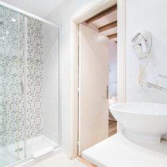 Отель AinB Gothic-Jaume I Apartments Испания, Барселона - 3 отзыва об отеле, цены и фото номеров - забронировать отель AinB Gothic-Jaume I Apartments онлайн ванная
