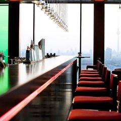 Отель Vienna House Andel´s Berlin гостиничный бар фото 7