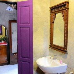 Отель Bangluang House Таиланд, Бангкок - отзывы, цены и фото номеров - забронировать отель Bangluang House онлайн ванная фото 2