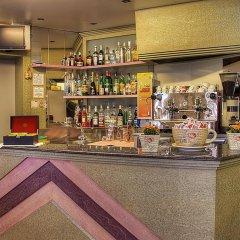 Отель Villa Iris Римини гостиничный бар