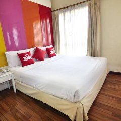 Отель Zen Rooms Ratchadaphisek Soi Sukruamkan Бангкок комната для гостей фото 2