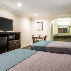 Отель Rodeway Inn & Suites LAX удобства в номере фото 2