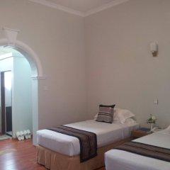 WEStay at the Grand Nyaung Shwe Hotel комната для гостей