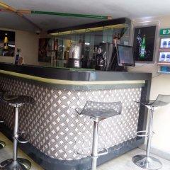 Отель Scarlet Lodge Нигерия, Лагос - отзывы, цены и фото номеров - забронировать отель Scarlet Lodge онлайн гостиничный бар