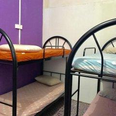 Отель Awys Backpackers бассейн