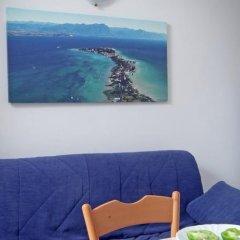 Отель Camping Garden Tourist Манерба-дель-Гарда комната для гостей