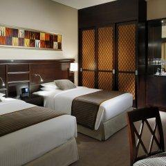 Отель Delta by Marriott Jumeirah Beach сейф в номере