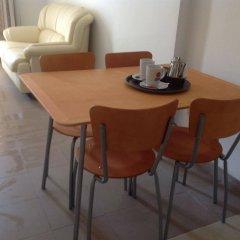 Alecos Hotel Apartments в номере