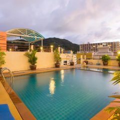 Отель Lords Place бассейн