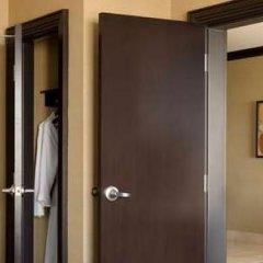 Отель Hilton Columbus/Polaris США, Колумбус - отзывы, цены и фото номеров - забронировать отель Hilton Columbus/Polaris онлайн сейф в номере