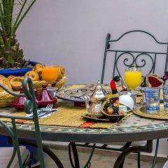 Отель Riad Dar Aby Марокко, Марракеш - отзывы, цены и фото номеров - забронировать отель Riad Dar Aby онлайн бассейн