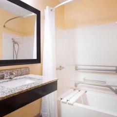 Отель Howard Johnson Express Inn Spartanburg - Expo Center ванная