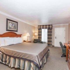Отель Travelodge by Wyndham Sylmar CA США, Лос-Анджелес - отзывы, цены и фото номеров - забронировать отель Travelodge by Wyndham Sylmar CA онлайн комната для гостей