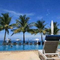 Отель Lanta Casuarina Beach Resort бассейн