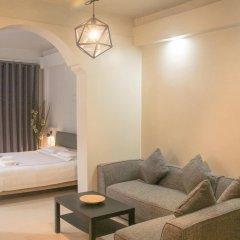 Отель Meet Inn At Silom Бангкок комната для гостей фото 2