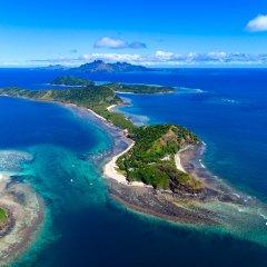 Отель Mantaray Island Resort бассейн