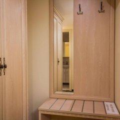 Hotel Starosadskiy сейф в номере
