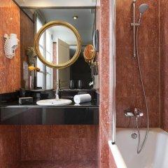 Отель Melia Paris Notre-Dame Франция, Париж - отзывы, цены и фото номеров - забронировать отель Melia Paris Notre-Dame онлайн ванная
