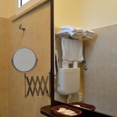 Отель ALIBI Римини ванная фото 2