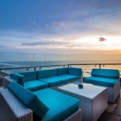 Отель The Ocean Colombo бассейн