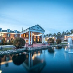 Отель Holiday Inn Club Vacations Williamsburg Resort