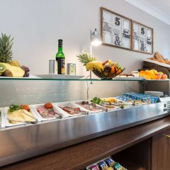 Отель Best Western Lakmi hotel Франция, Ницца - 9 отзывов об отеле, цены и фото номеров - забронировать отель Best Western Lakmi hotel онлайн питание фото 3