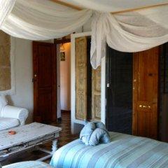 Отель Casa de huéspedes Vara De Rey сейф в номере