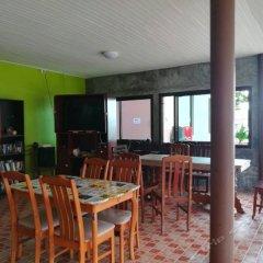 Отель Lanta Bee Garden Bungalow Таиланд, Ланта - отзывы, цены и фото номеров - забронировать отель Lanta Bee Garden Bungalow онлайн питание