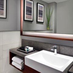 Отель Movenpick Hotel & Apartments Bur Dubai ОАЭ, Дубай - отзывы, цены и фото номеров - забронировать отель Movenpick Hotel & Apartments Bur Dubai онлайн ванная