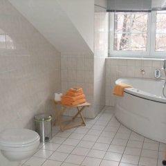 Отель Villa Seraphinum Германия, Дрезден - отзывы, цены и фото номеров - забронировать отель Villa Seraphinum онлайн ванная фото 2