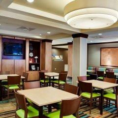 Отель Fairfield Inn And Suites By Marriott Lake City Лейк-Сити гостиничный бар