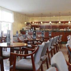 Отель Prestige Goya Park Испания, Курорт Росес - отзывы, цены и фото номеров - забронировать отель Prestige Goya Park онлайн гостиничный бар