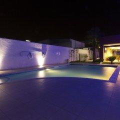 Отель Holiday Inn Express Guadalajara Aeropuerto бассейн