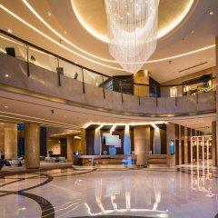 Renaissance Chengdu Hotel интерьер отеля фото 2