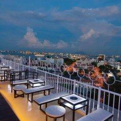 Отель Bayview Hotel Georgetown Penang Малайзия, Пенанг - отзывы, цены и фото номеров - забронировать отель Bayview Hotel Georgetown Penang онлайн балкон