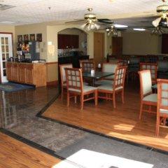 Отель Best Western - Suites Колумбус гостиничный бар