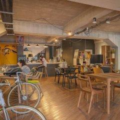POD Hostel & Designshop гостиничный бар