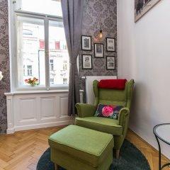 Отель The Old Town Square & Parizska Apartments Чехия, Прага - отзывы, цены и фото номеров - забронировать отель The Old Town Square & Parizska Apartments онлайн комната для гостей фото 2