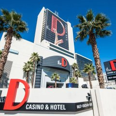 Отель the D Casino Hotel Las Vegas США, Лас-Вегас - 8 отзывов об отеле, цены и фото номеров - забронировать отель the D Casino Hotel Las Vegas онлайн вид на фасад