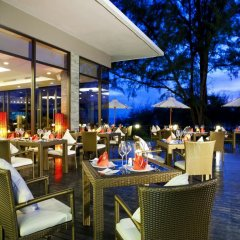 Отель Splash Beach Resort by Langham Hospitality Group питание